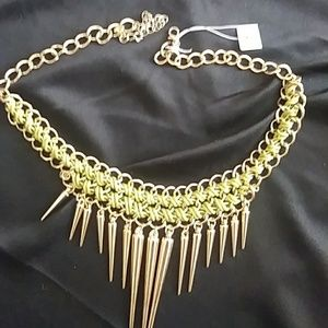 Jewelry - Vintage BoHo Gold Tone Necklace, With Green
